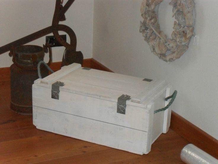 Truhen - Truhe Bank Weiß Shabby Sitztruhe Wäschetruhe Holz - ein Designerstück von Die-Ideenschmiede bei DaWanda