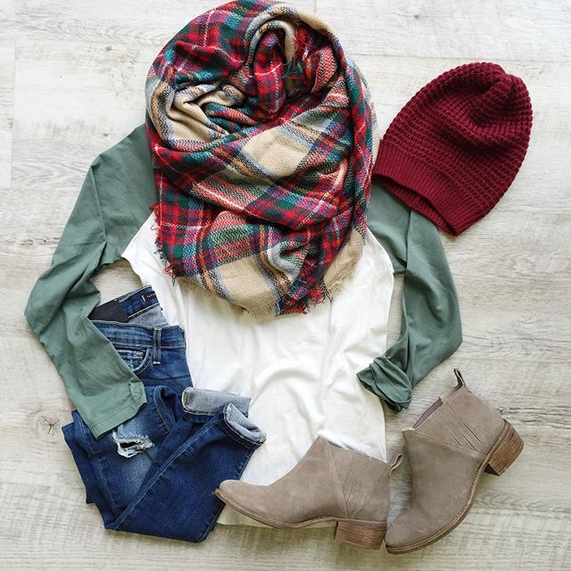 Olive green sleeve baseball tee for fall. blanket scarf. booties.