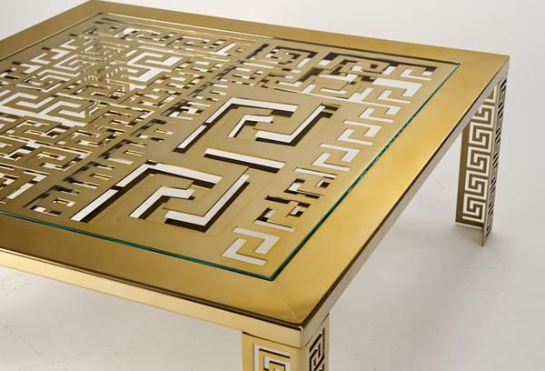 Versace Logo Gold | Grid - Versace Home Collection