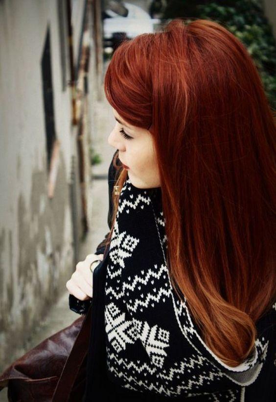 Mogano, rosso tiziano o biondo rame: scegli la tonalità di rosso più adatta a te