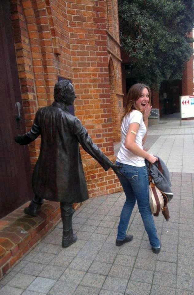 Funny Poses with Statue/ Girls makes Dirty Fun with Statue