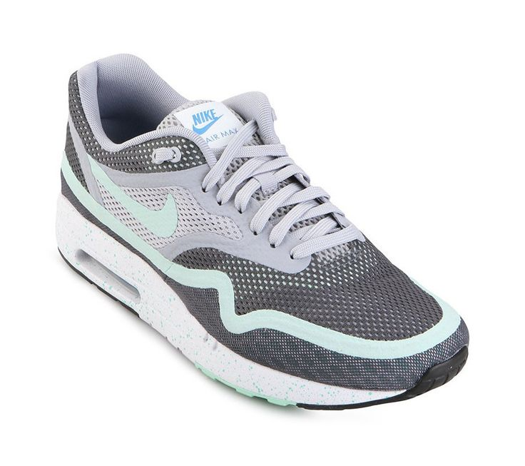 Air Max 1 Breeze Running Shoes by Nike. Introduced in 1987, An absolute beauty running shoes. With ultra light sole makes this shoes super comfortable, Air Max 1 with hyperfuse and engineered mesh style applications that make it a comfortable to wear even for the warmer weather.   http://www.zocko.com/z/JGrP2