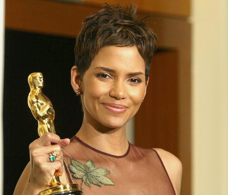 Halle Berry Worries That Her Historic Oscar Win Ultimately 'Meant Nothing' to Hollywood