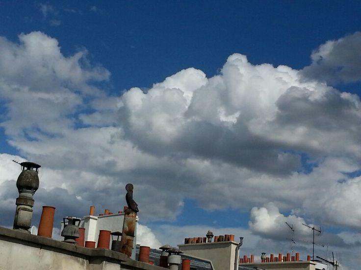 Paris toits nuageux