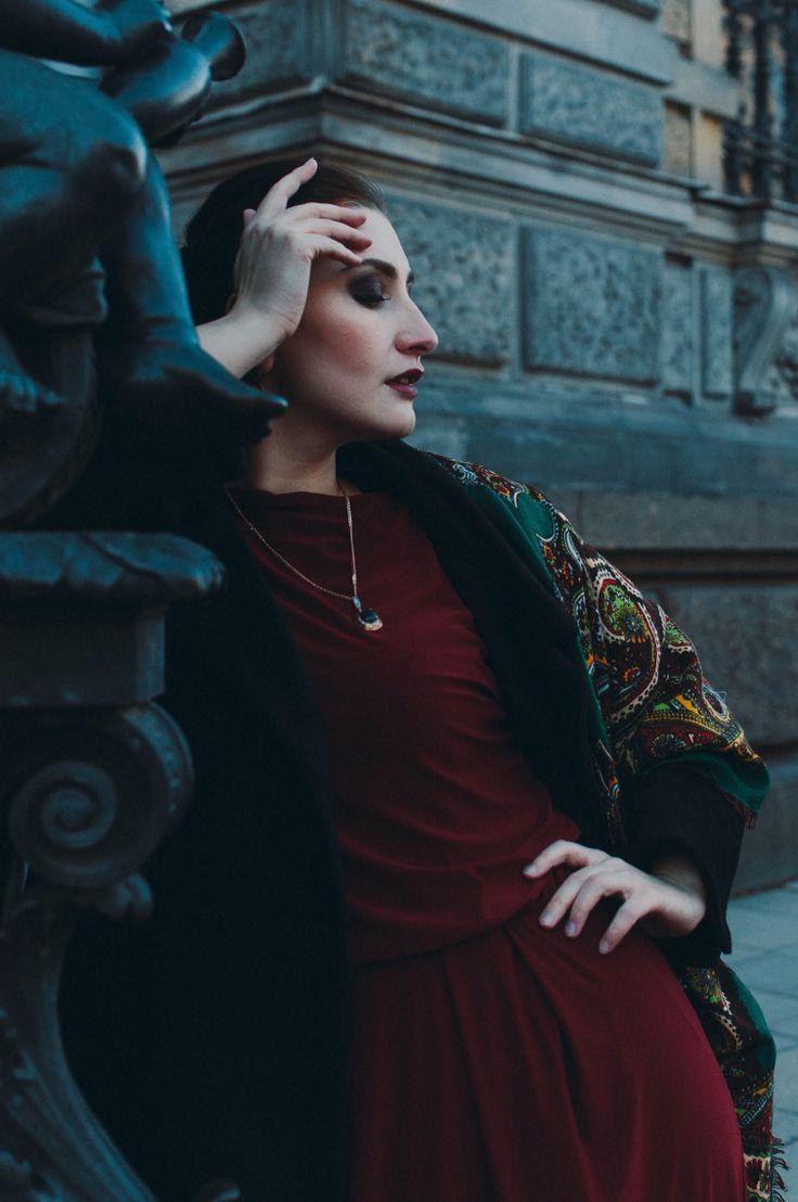 Street fashion  Photo by Dan Candella  MUA Yulia Kanakhina Model Mila Repina Location St.Petersburg, Russia #streetfashion #streetstyle #streetlook #spb #spb_photo #plussize #curvy #plusmodel #photoart