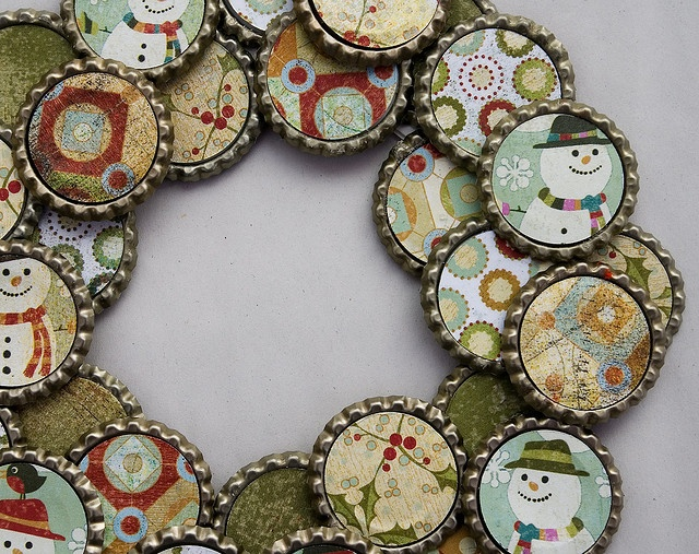 Best 25 beer bottle caps ideas on pinterest bottle top for Crafts to do with beer bottle caps