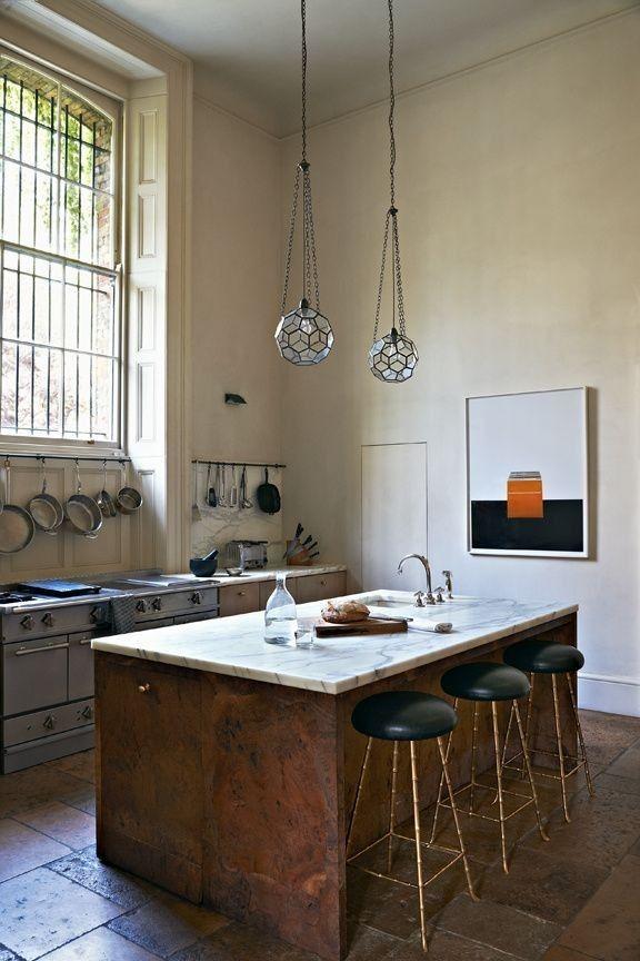 Rose Uniake kitchen in London | Remodelista  suelo terra y encimera marmol