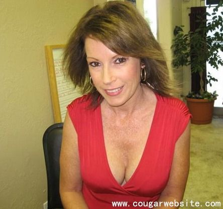 Profiles for mature women on dating sites