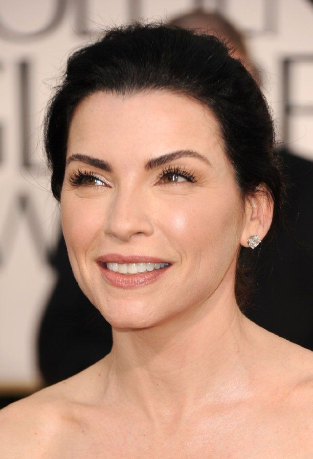 Julianna Margulies-best eyebrows in the world! I like her makeup, but I'd prefer a pinker tone.