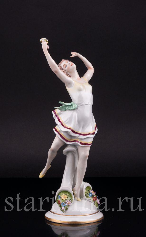 Антикварная Фарфоровая статуэтка Танцующая девушка производства Scheibe-Alsbach, Германия