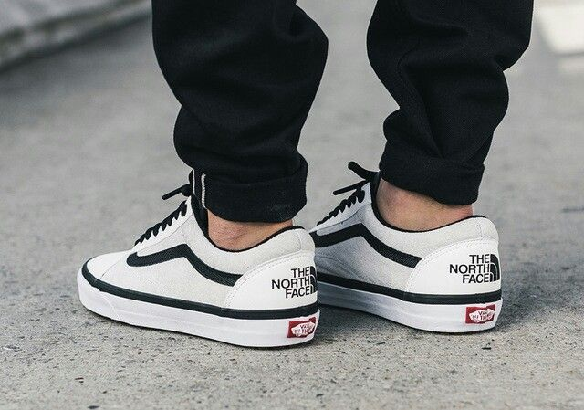 8876bed68 The North Face x Vans UA OLD SKOOL MTE DX  White Black