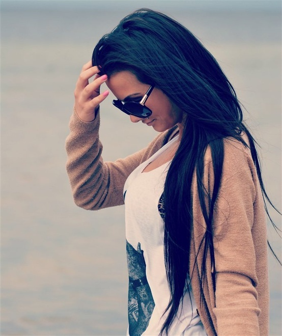 This is why I pay so much for my extensions. Long black hair is so gorgeous!