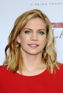 "Anna Chlumsky  Born: December 3, 1980 in Chicago, Illinois, USA  Height: 5' 2"" (1.57 m)"