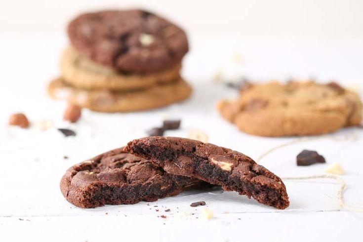 Diese tollen Cookies sind nicht nur super lecker sondern auch ganz schnell und einfach zubereitet. Dicke Stücke aus feinster Hussel Schokolade und ein süßer, weicher Teig der auf der Zunge vergeht! Mit bunten Schokolinsen verziert macht das Backen auch den Kleinen Spaß!
