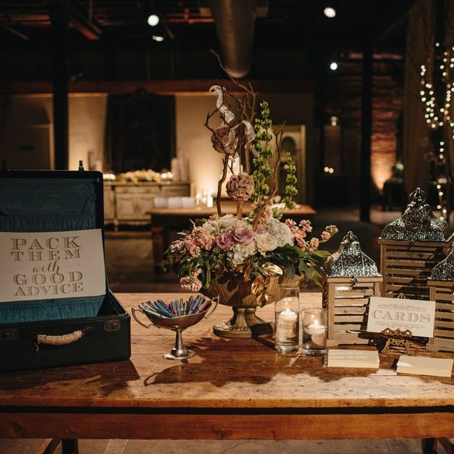 Vintage inspired card display | Sully Clemmer Photography | Fresh Cut Catering