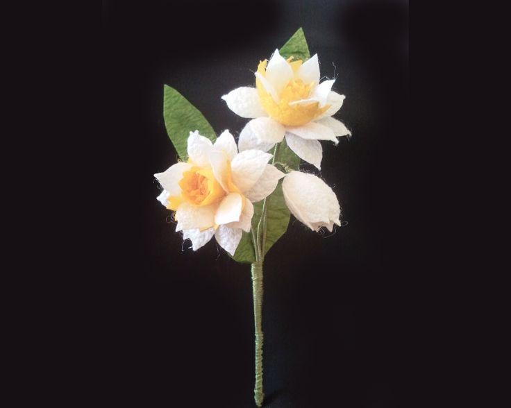 İpek Kozasından Nergis Yaka Çiçeği Sipariş vermek için: www.ipekelsanatlari.com…
