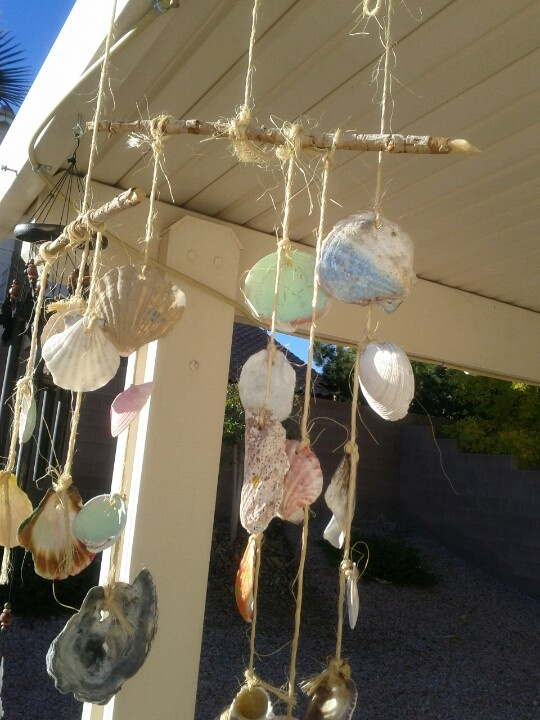 Homemade shell wind chimes crafts pinterest for Shell wind chimes diy