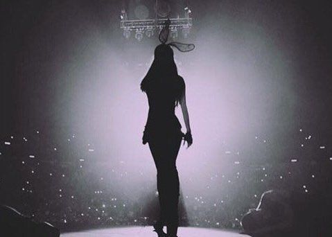 Ariana Grande . Honeymoon Tour