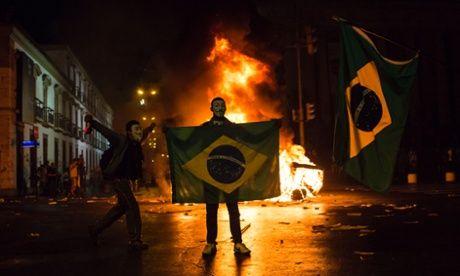 Imprensa inglesa diz que o governo brasileiro perdeu o rumo e agora joga o povo contra o povo