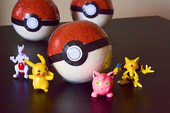 4 FOUR Pokemon/Pokeball Bath Bombs Toy Inside Kids Bathtime