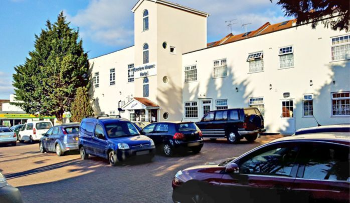 Situated in West London, near Ealing, Chiswick and Hammersmith with easy access to Central London and Heathrow Airport. Boston Manor Hotel is close to Heathrow Airport, Twickenham, West and Central London with conference and banqueting facilities.