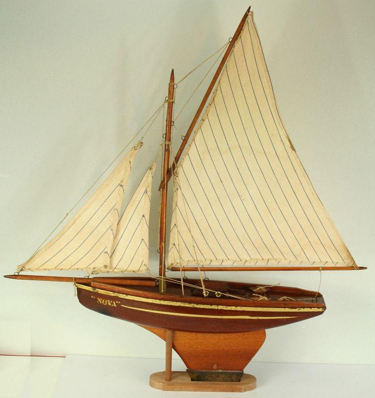Voilier de bassin nova n 4 en version acajou et voiles l 39 anglaise pond yachts boats - Voilier de bassin ancien nanterre ...