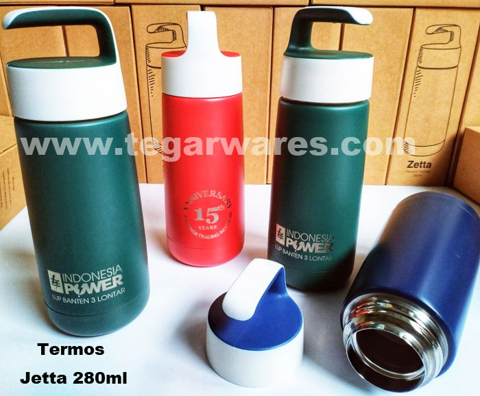 Jetta promotional vaccuum flasks, 280ml. with engraving logo of your company its a unique option for your promotional item. Jetta available in three different colors, green, red and navy blue