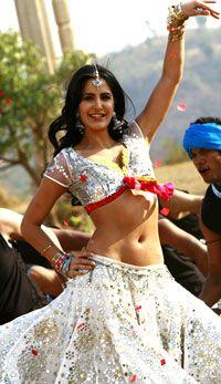 Katrina Kaif belly dancing