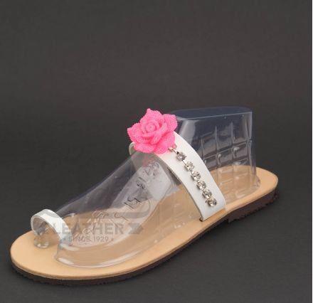 Ακρυλικό Λουλούδι Φούξια, Αλυσίδα Νίκελ, Κρύσταλλα Swarovski #Swarovski #sandals #leathersandals #accessories