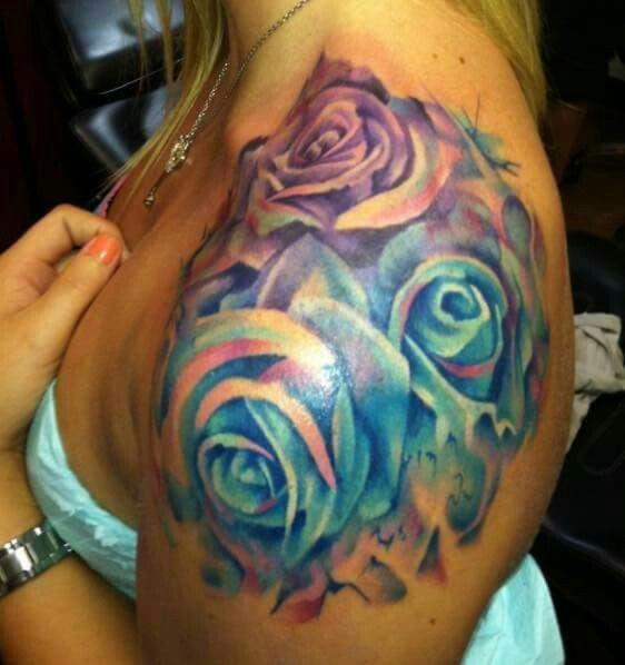 Multi Rose shoulder tattoo. LOVE!