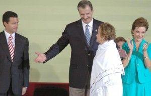 Aldo Fulcanelli  Al escuchar la palabra transición, nos viene a la memoria el año del 2001, cuando Vicente Fox Quesada se convirtió en el primer Presidente de México, en provenir de un partido político distinto al transexenal PRI. Anestesiada por el emergente triunfalismo de la victoria, gran parte de la sociedad mexicana exaltó […]