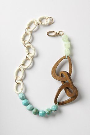 On the hunt for old jewelry, beads, chains and findings, that I can break down and recombine into funky modern jewelry