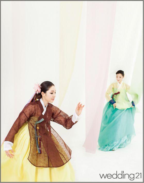 한복 > [한복]돌아가는 춤사위에 번지는 여름의 색,한국의상 백옥수 웨딩21 매거진 (Wedding21) - 결혼대백과 웨프  wow see through dang-ee
