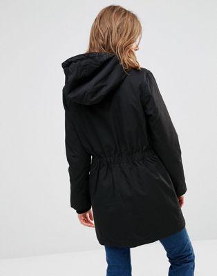 Shoptagr | Minimum Parka In Black by Coat #fashion #trend #outfit #onlineshop #shoptagr