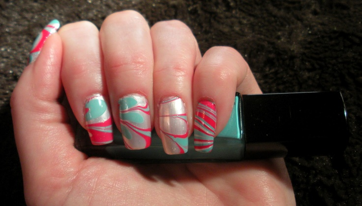 Water Marbling Manicure