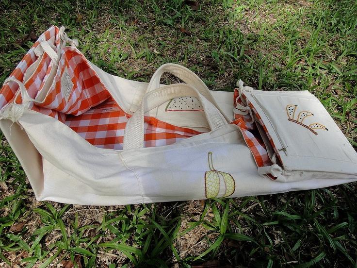 Cesta de piquenique versátil: cesta e toalha                                                                                                                                                                                 Mais