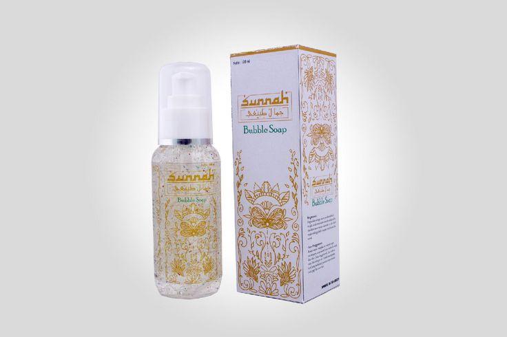 Formula yang berguna untuk mengangkat kotoran kulit dan sisa make-up. Mampu menjaga kelembutan kulit, mengatasi radikal bebas seperti bercak hitam, kerutan, efek penuaan dini, dan kulit kusam. Mengatasi inflamasi topikal, mengandung anti bakteri dan antioksidan.