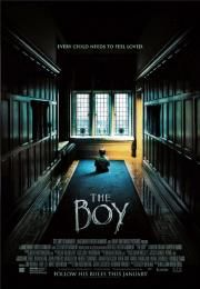 """The Boy        The Boy      Dete zla  Ocena:  6.10  Žanr:  Horror Mystery Thriller  """"Every child needs to feel loved.""""Greta is a young American woman who takes a job as a nanny in a remote English village only to discover that the family's 8-year-old is a life-sized doll that the parents care for just like a real boy as a way to cope with the death of their actual son 20 years prior. After violating a list of strict rules a series of disturbing and inexplicable events bring Greta's worst…"""