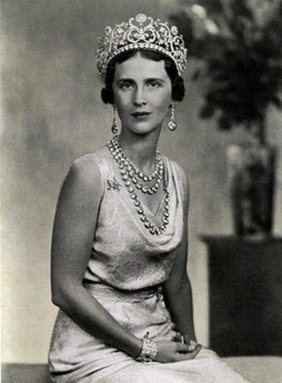 Princess Olga of Greece and Denmark, wife of Prince Paul of Yugoslavia, wearing Princess Abamalek Lazarev's Diamond Tiara, Georgia/Yugoslavia (1907; made by Boucheron; diamonds, yellow diamonds).