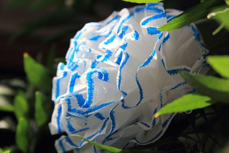 Цветы из салфеток своими руками. Flowers of napkins with their own hands.