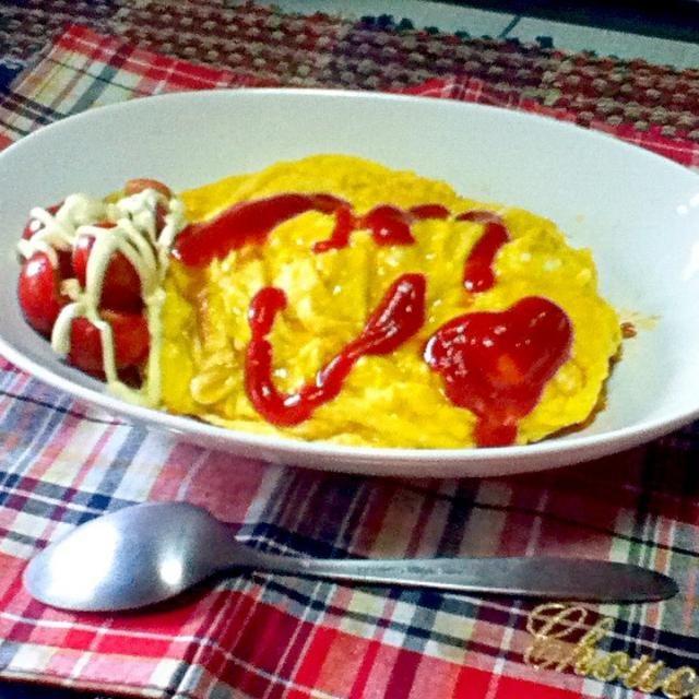 今日の朝ごはんです☆〜(ゝ。∂)特製トマトソースを作って、オムライスを作りました☆〜(ゝ。∂)いただきますै♡*ೄᐪᑋᵅᐢᵏ ᵞᵒᐡ♡ - 4件のもぐもぐ - トマトフルオムライス☆〜(ゝ。∂) by hidemasa515