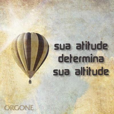 Frases para Facebook - Sua atitude determina sua altitude - Frases com imagens e recados para Facebook