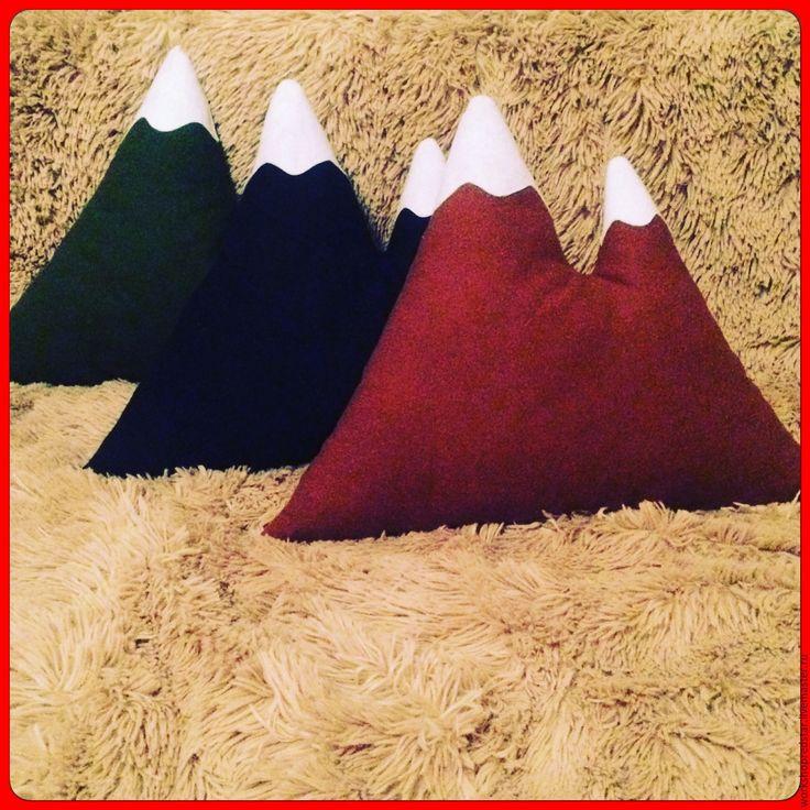 Купить Подушка Гора - бордовый, подушка, подушка декоративная, подушка на диван, подушка-игрушка