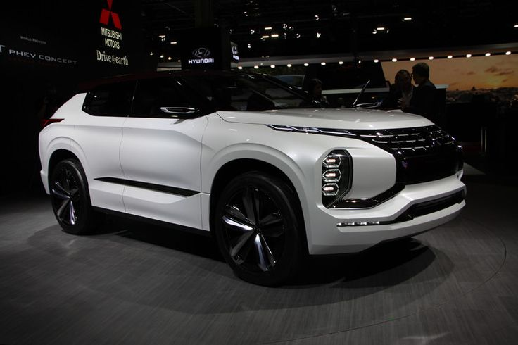Mitsubishi GT-PHEV Concept - pomysł na nowego SUV-a (Targi Paryż 2016) - Moto