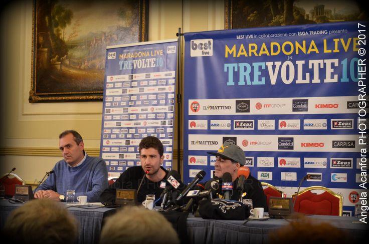 """Si è svolta ieri presso l'Hotel Vesuvio intorno alle ore 17, la conferenza stampa riservatissima e blindatissima dell'atteso """"Maradona Live: Tre volte 10"""", l'evento id…"""
