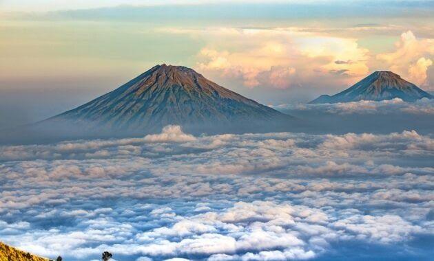 Baru 30 Gambar Pemandangan Gunung Full Hd Terbaru Lukisan Dan Gambar Pemandangan Alam Download Gunung Penangunggan Gunun Di 2020 Pemandangan Kehidupan Laut Gambar