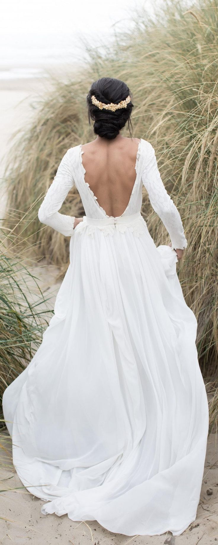 Long sleeve open back wedding dress with lace lining