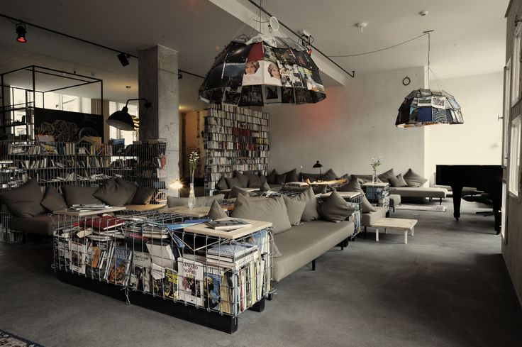 Michelberger Hotel lounge room, #hipster hotels, 9+1 κορυφαία - cafe wohnzimmer berlin