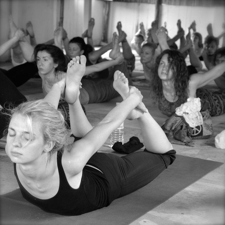 Vinyasa yoga teacher training in rishikesh | Vinyasa yoga ...
