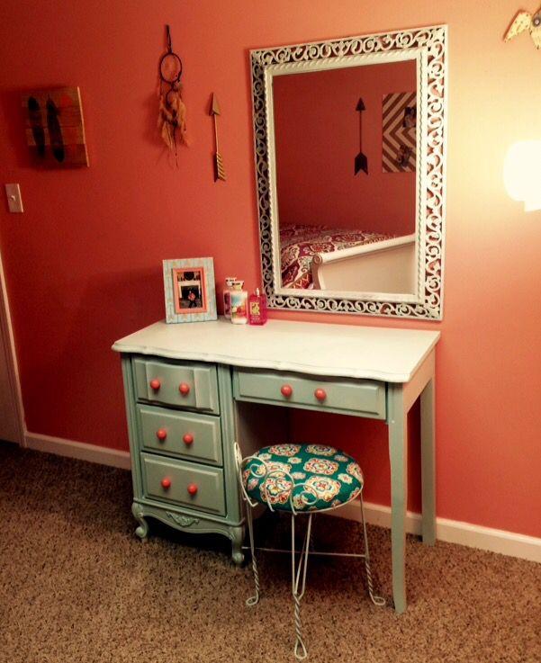 Bedroom Furniture Yard Sale: 1000+ Ideas About Old Vanity On Pinterest